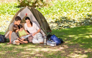 10192278-family-camping-in-the-park